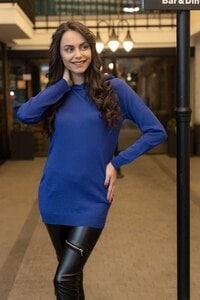 Стилен дамски пуловер с качулка BLUE BIRDS