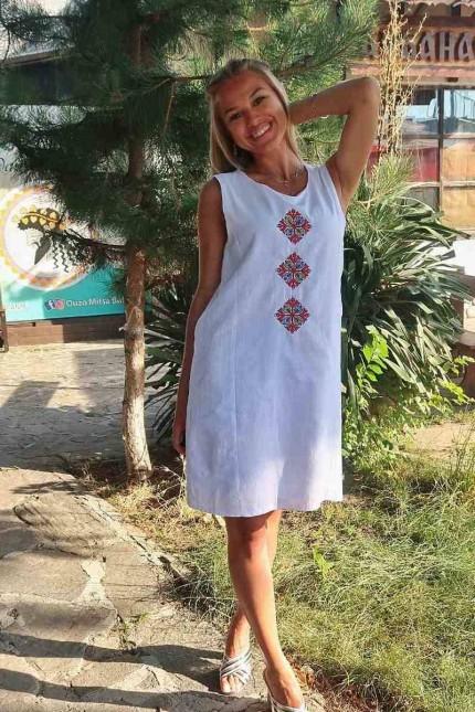 Памучна бяла рокля с шевица SILVIYA