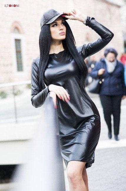 Черна рокля BLACKSTAR