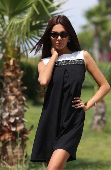 Черна рокля с дантела CHARLOTTE