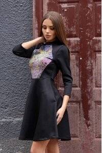 Елегантна разкроена рокля TAIRA