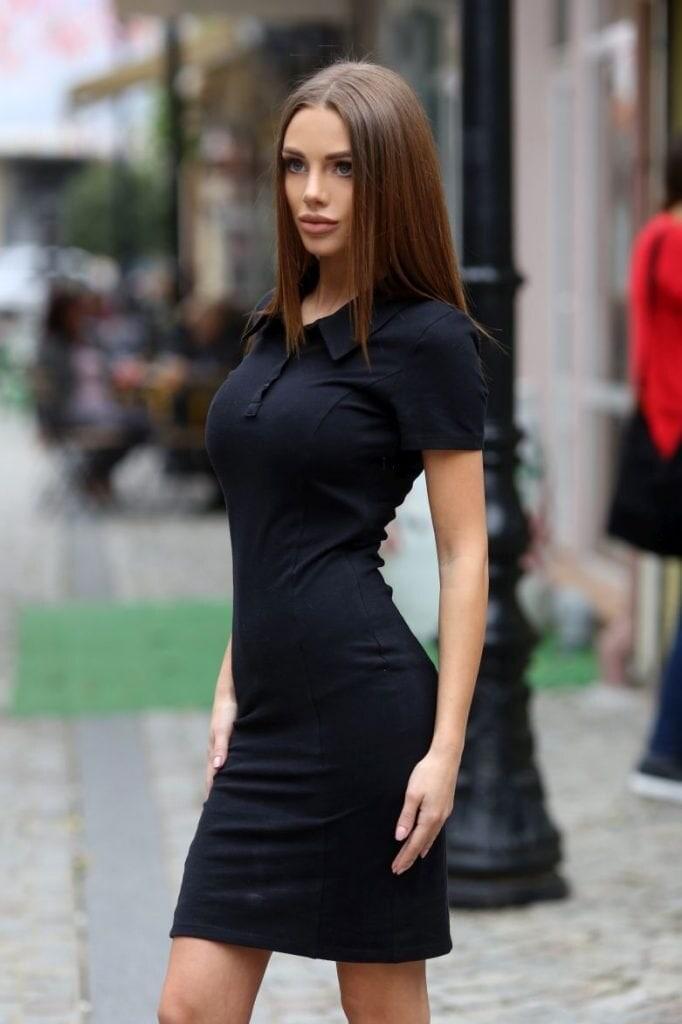 6a1c9ab3eff Стилна черна рокля IVANA • Подиум • Дамска мода онлайн