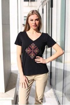 Женска тениска с бродерия KAMELIYA