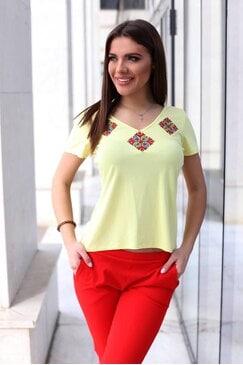 Жълта дамска тениска с шевица STEFI